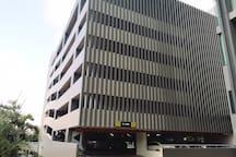 1芭提雅Posh高级公寓/顶楼无边泳池/毗邻汽车站连锁超市SPA店/21航站楼海鲜市场/24小时安保