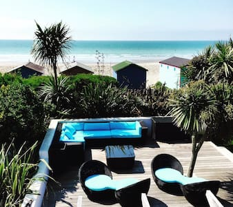 Beautiful Witterings beachfront - twin room - East Wittering
