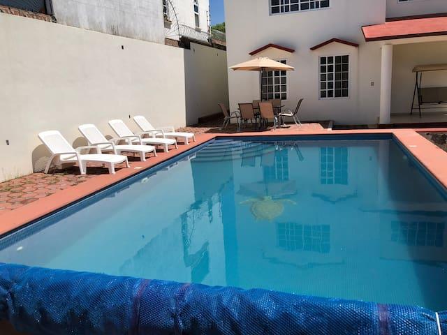 Hermosa casa con alberca  en Morelos