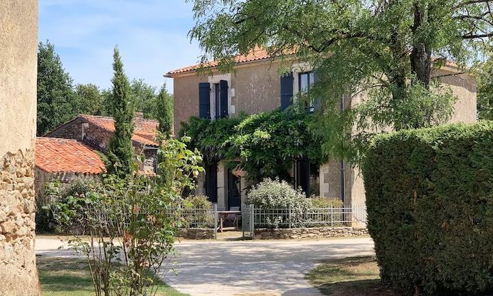 Chateau Breduriere - Gite la Tour