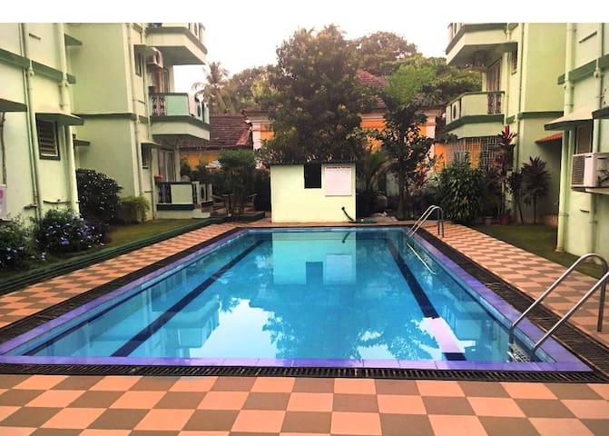 Independent new 2BHK apt +pool,Secure,Candolim