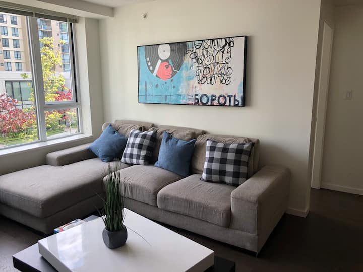 Richmond 1 bedroom 2 bathrooms with stunning view