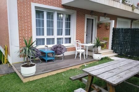 Apartamento con jardín cerca de playa de loredo