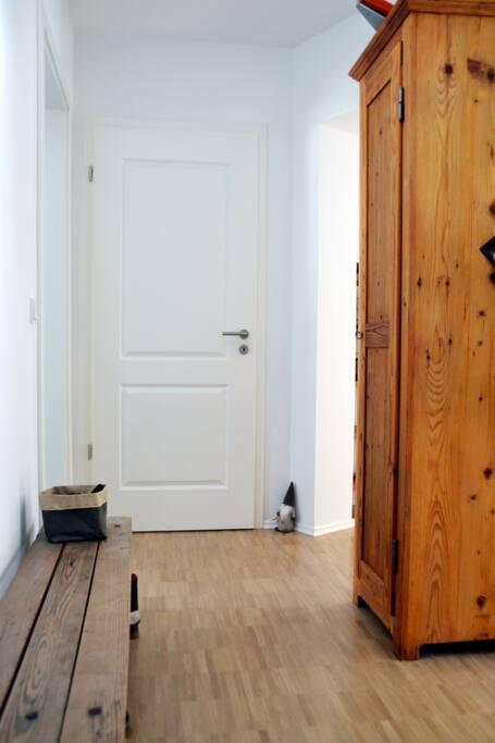 bernachtung auf schlafsofa in saniertem altbau wohnungen zur miete in leipzig sachsen. Black Bedroom Furniture Sets. Home Design Ideas