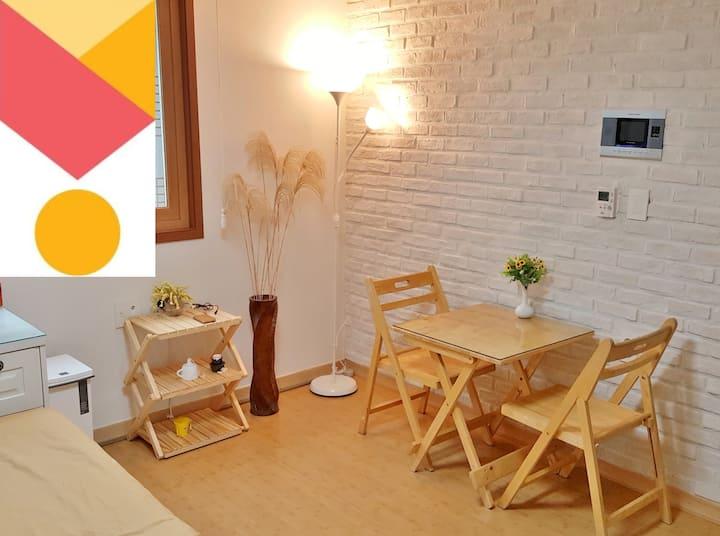 YOUR beautiful home in Hongdae! Cosy and memorable