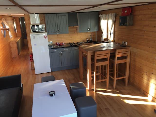 HOUSE BOAT,Beau logement flottant, 48m2