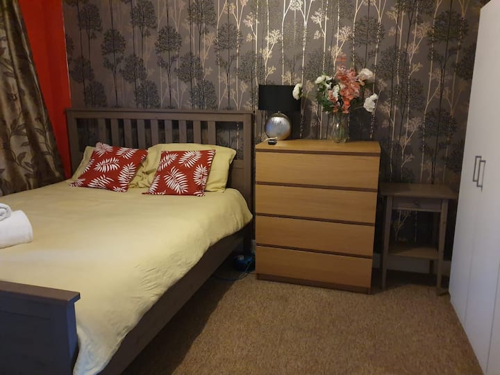 Large double room in the centre of Bristol