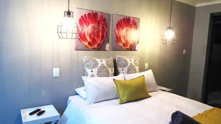 Swartberg Double Room @ 21 on Klein Karoo Street