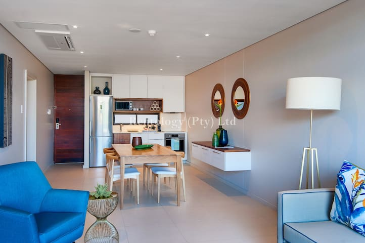 Ultra-Modern 1 Bed Zimbali Suites Sea View