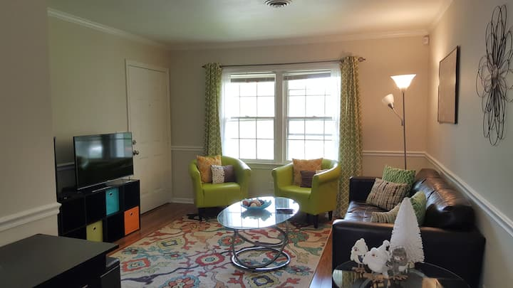 Quaint and quiet 2 bedroom near downtown