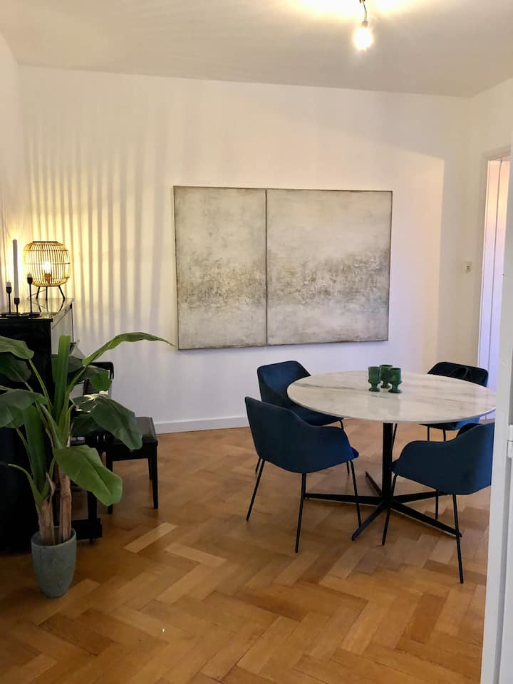 LOVELY APPARTMENT! 10min from city !!