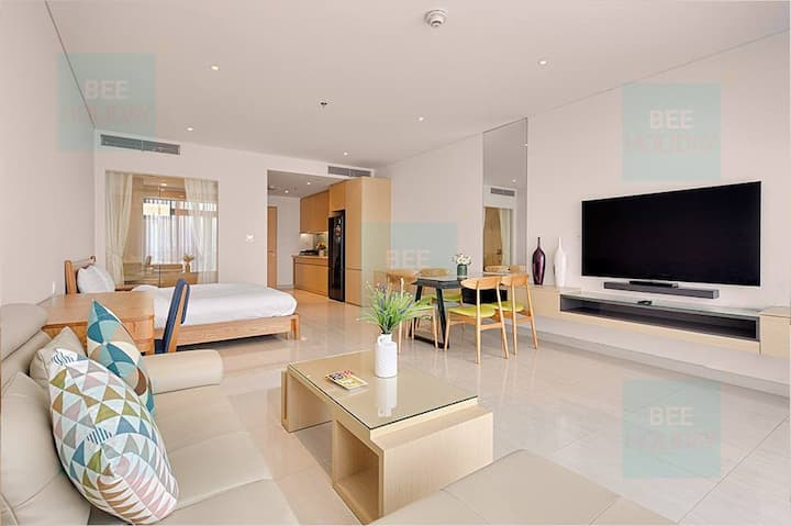 1BR The Ocean Suites Apartment Da Nang Beach View