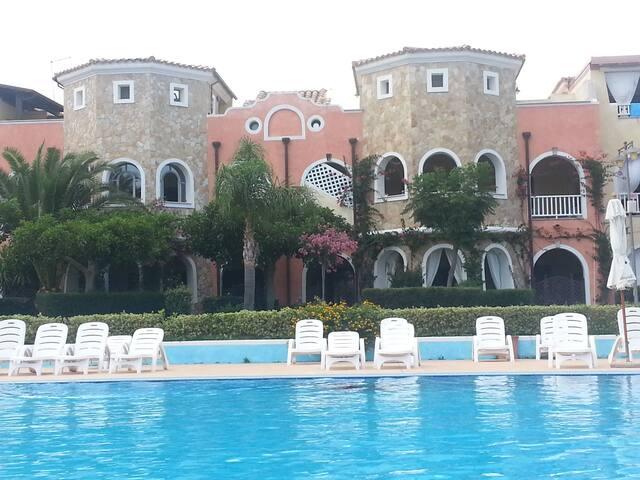 VILLAGGIO BORGO SAN BASILIO 9/10 POSTI 1 KM MARE - Marina di Pisticci (MT) - Leilighet