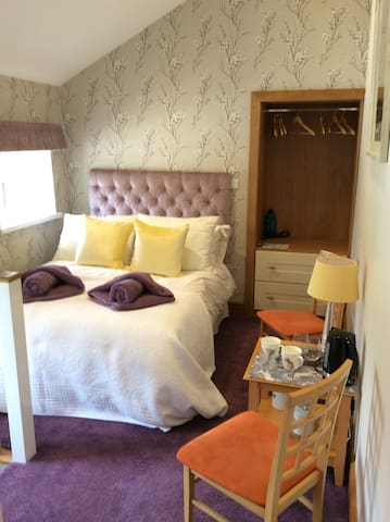 Delux Onsuite Room, With Own Private Entrance.