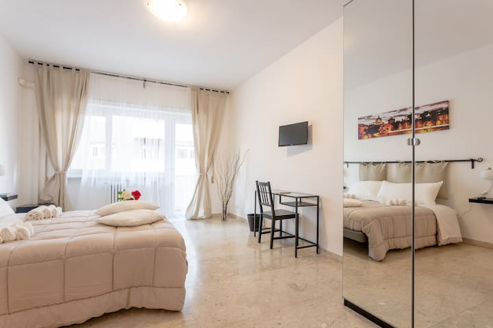 Rose in Rome - Superior Double Room