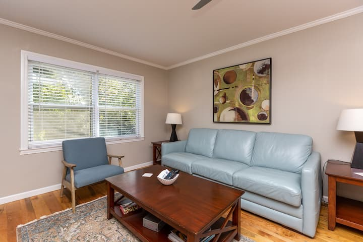 Renovated 1BR Apartment Steps from WFU Hospital