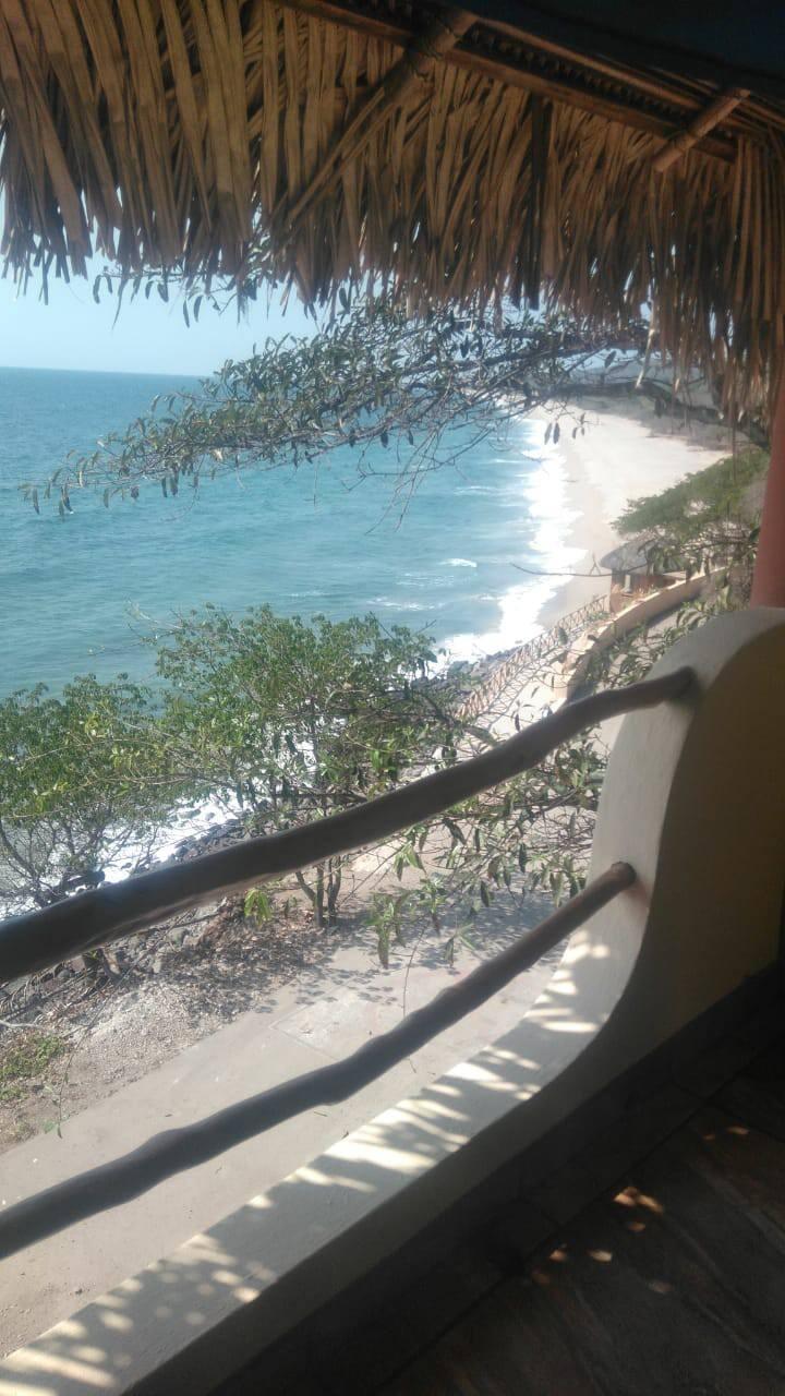 playa punta raza , monteon Nayarit