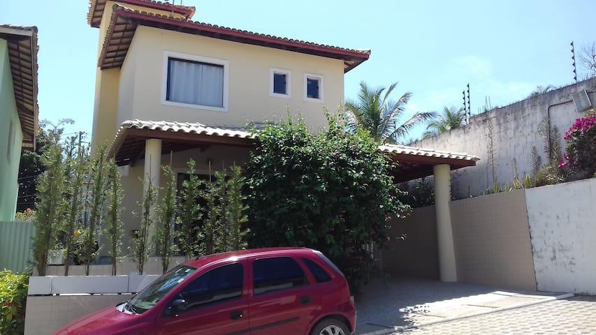 Excelente casa na Estrada do Coco - Catu de Abrantes - Hus