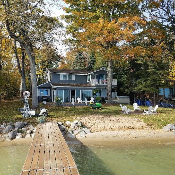 A BEAUTIFUL cottage right on Mullett Lake!