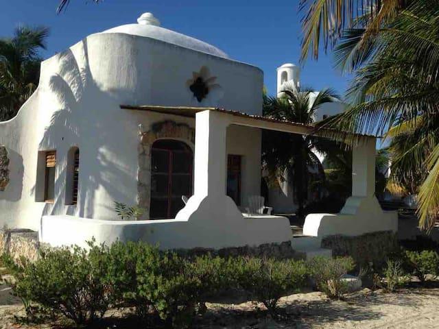 Villas en San Bruno, frente al mar. Villa #1.