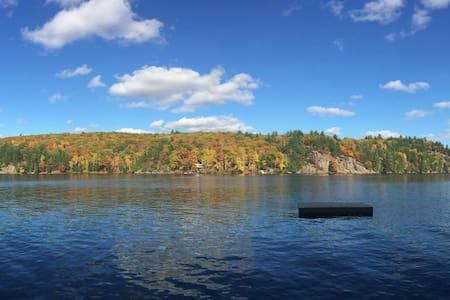 Beautiful waterfront cottage - Dwight - Kisház