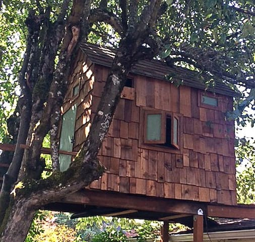 Tiny, Serene Art Filled Treehouse