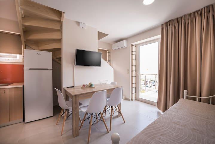 Athina apartments platanias - Platanias - House