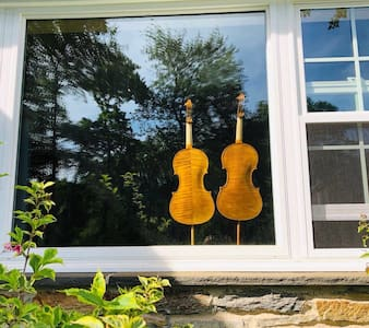 The violin maker's home-Beautiful home