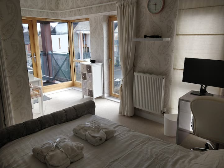 Stylish room with En suite Bathroom and Balcony