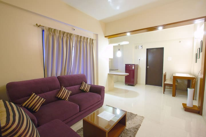 A Quiet, Cosy 1BD Studio Apt with AC+Bf+Wifi@ Pune
