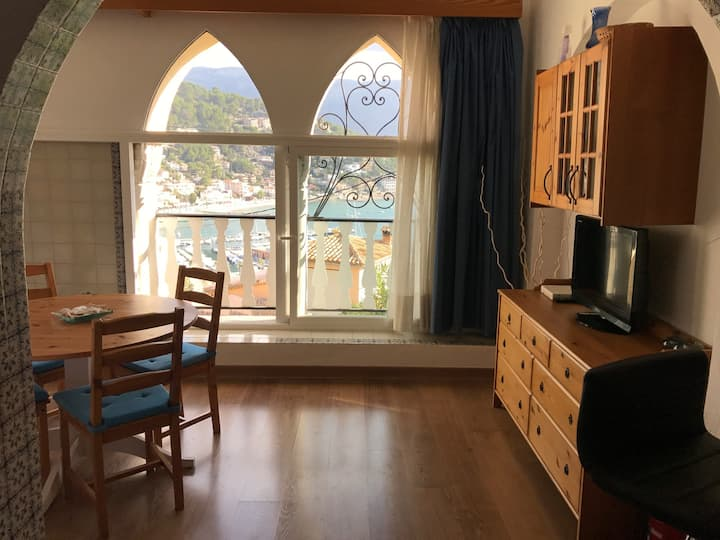 Excellent Apartment with sea views and facilities