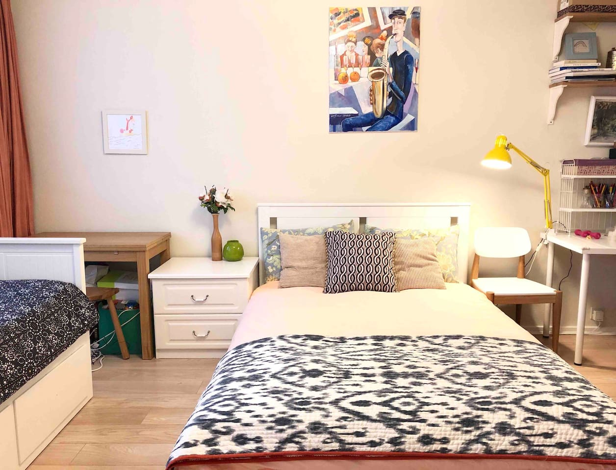 Bright and spacious room includes a double bed and a day-bed(can use as a single bed or extend to 1.6m king size bed with comfortable foam mattress )