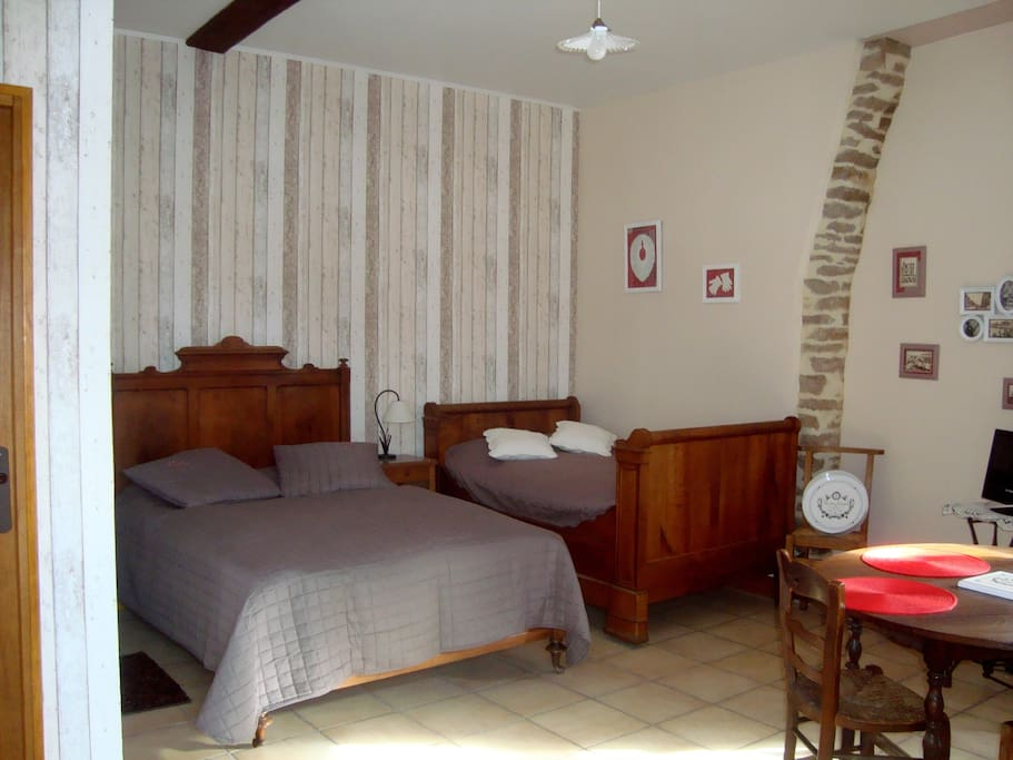 chambre d 39 h tes la venelle bed breakfasts for rent in n ville sur mer normandie france. Black Bedroom Furniture Sets. Home Design Ideas