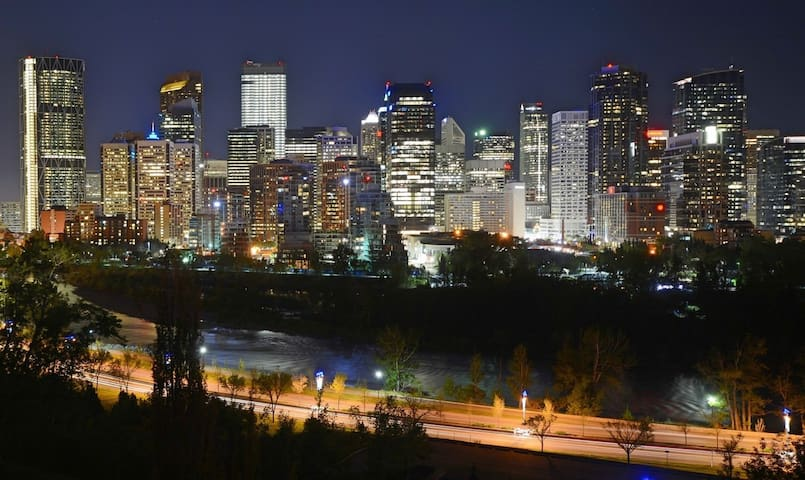 GORGEOUS 3BED Beside Bow River, Downtown, C-train