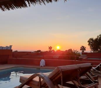 Amazing Sunset Villa