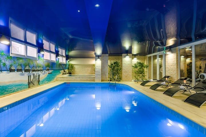 Swiming Pool Jacuzzi XXL Fitness Sauna Metro