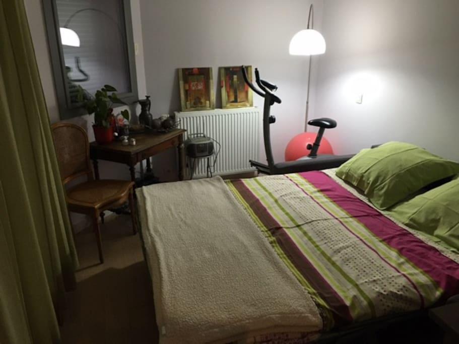 La nuit, chambre au calme