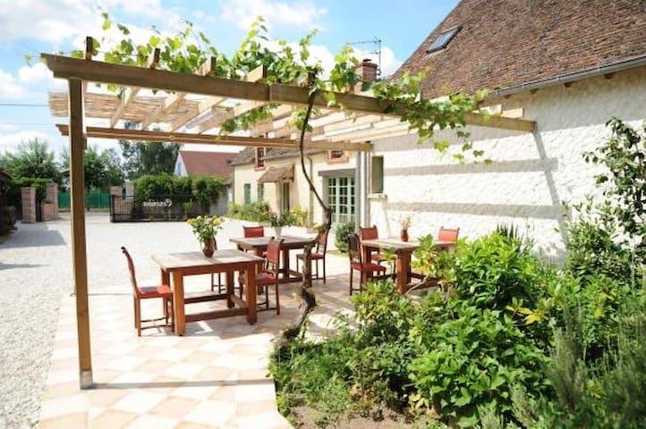 5 chambres et table d'hôtes - Loire à Vélo