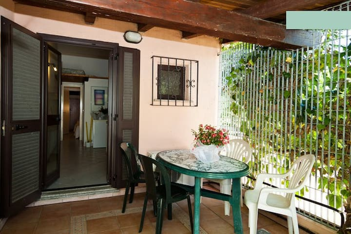 Sardinia, SanTeodoro three-room apartment 4 pax - San Teodoro - Lägenhet
