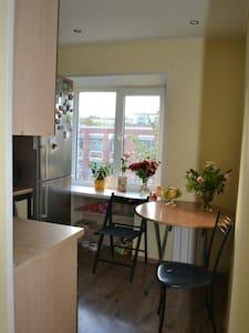 Общая комната в пригороде СПб - Ломоносов - Apartment