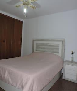 Habitación con la mejor ubicación en Gandía.
