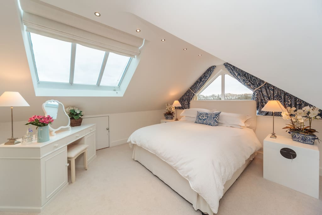 Stunning bedroom again