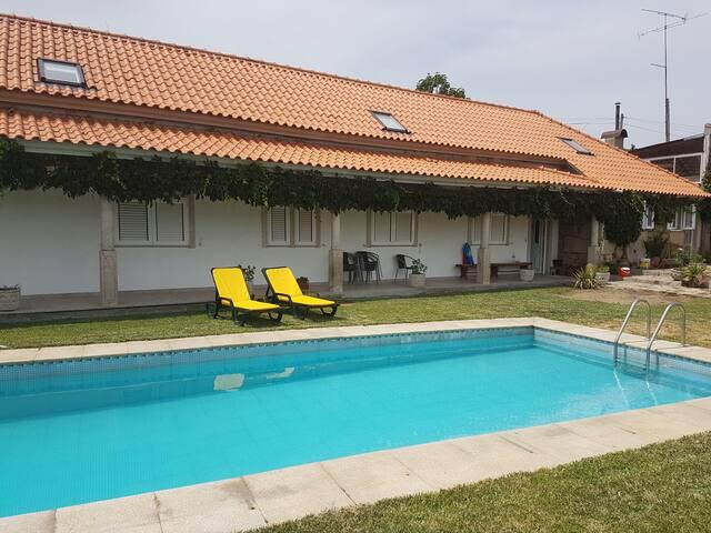 Casa de campo, com piscina. (Quarto)