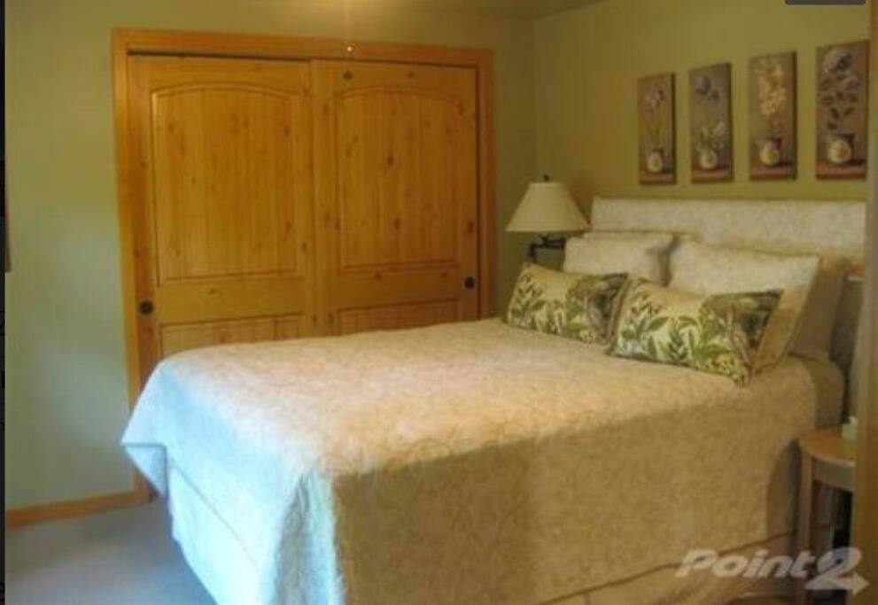 Cabin has great beds and luxury bedding.