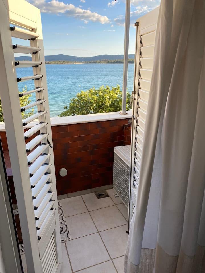 Apartman 3B sa pogledom na more