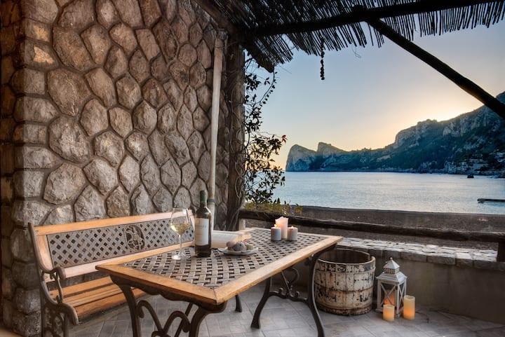 La Cabane Bleau- The perfect beachfront apartment
