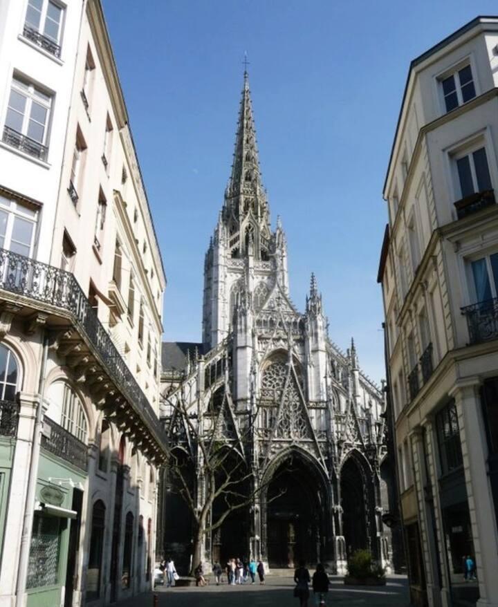 Studio Equipé-HyperCentre Rouen-Eglise St Maclou