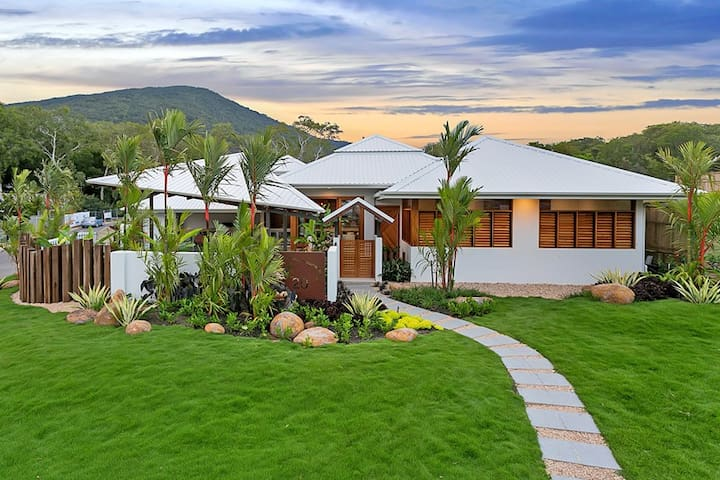 Eleanora - Modern Tropical Luxury - Palm Cove - House