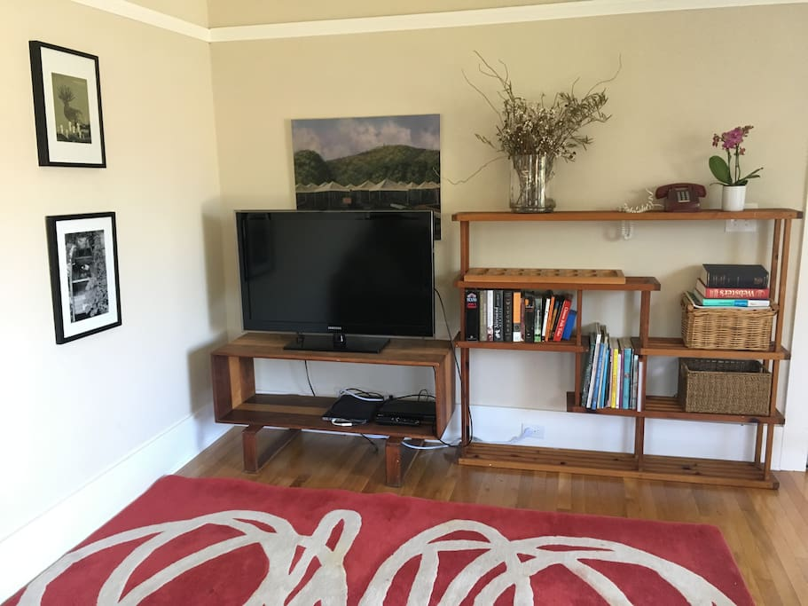 Living room has flat screen