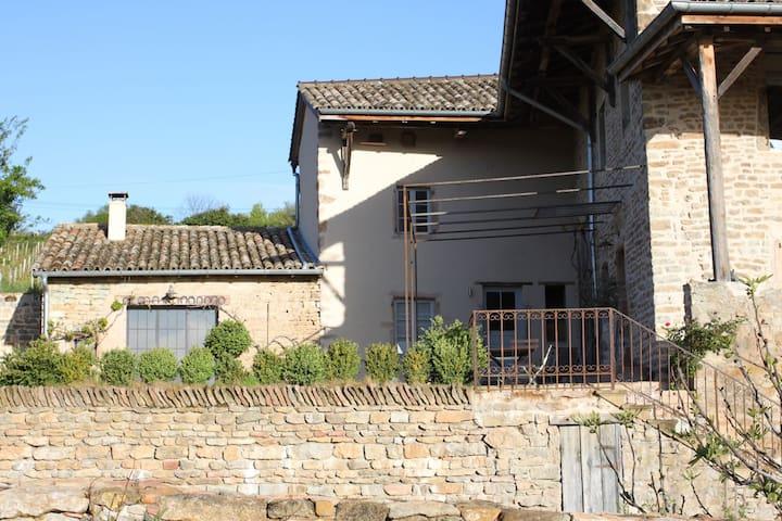 Annexe belle propriété à Solutré - Solutré-Pouilly - Casa